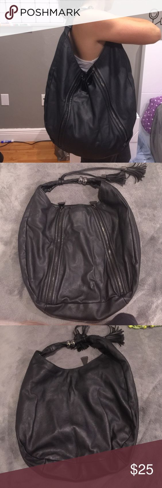 Armani Exchange Large Tote Super cute bag made from leather, great material. Shows some signs of wear. Armani Exchange Bags Totes