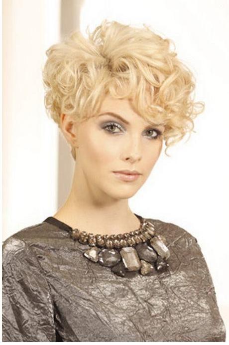Dauerwelle kurze haare stylen - Beliebte Frisuren 2020