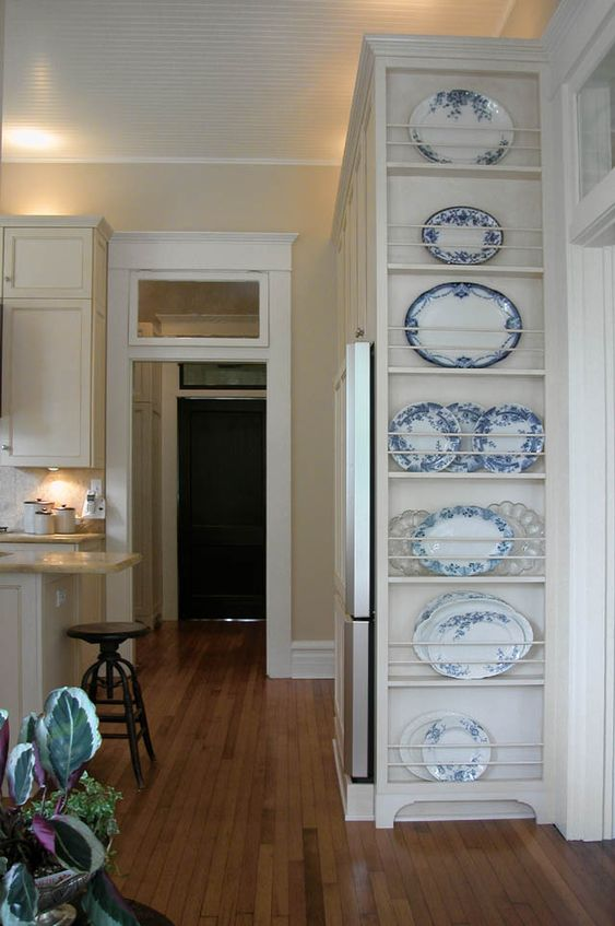great place for a plate rack to hold platters, love the blue transferware!: