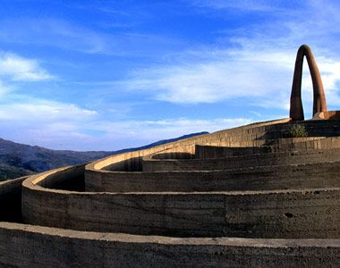 Ionas Kaltenbach, Lonely Planet Images    The Arianna Labyrinth, Nebrodi Regional Park, Sicily.