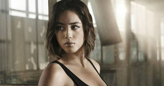 Watch the 'Agents of S.H.I.E.L.D.' Season 3 Opening Scene -- Daisy Johnson lends a helping hand in the Season 3 premiere of Marvel's 'Agents of S.H.I.E.L.D.', debuting September 29 on ABC. -- http://movieweb.com/agents-of-shield-season-3-opening-scene/