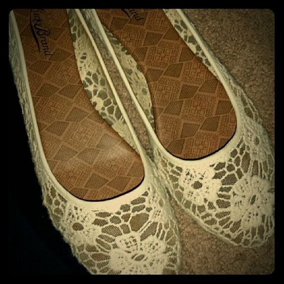 Lucky Brand Lace Flats size 10 Lucky Brand Lace Flats size 10. They are a soft off white color Lucky Brand Shoes Flats & Loafers