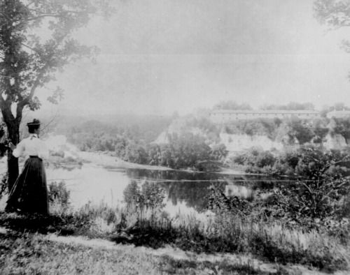 junction of the Mississippi and Minnesota Rivers near Ft. Snelling , ca. 1886.