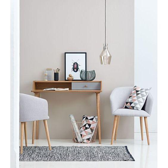 Platzhalter mit Retro-Charme! Der ausdrucksvolle Armlehnstuhl - einrichtungsdeen fur hausbibliothek bucherwand