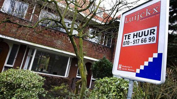 'Inkomensgrens sociale huurwoningen vergroot segregatie tussen arm en rijk'  Bewoners van sociale huurwoningen hebben gemiddeld een lager inkomen dan vijf jaar geleden, door de toen ingestelde inkomensgrens van 34 duizend euro per jaar om zo'n woning te kunnen betrekken. Deze regel vergroot de segregatie tussen arm en rijk in steden, zegt hoogleraar sociale geografie Sako Musterd van de Universiteit van Amsterdam.