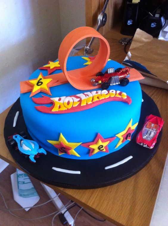 Hot wheels cake: