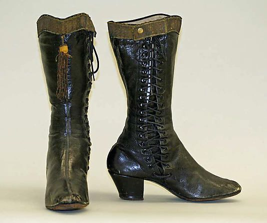 1890-1910, America - Leather boots by Capezio Inc.