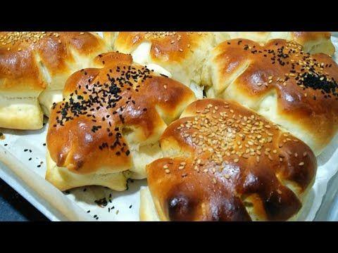 الفطائر التركية الهشة مثل القطن وبحشوات متنوعة لذيذة وسهلة وسريعة بدون دعك Youtube Food Bagel Bread