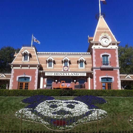 Walking through the gates of Disneyland in 8 days! :D