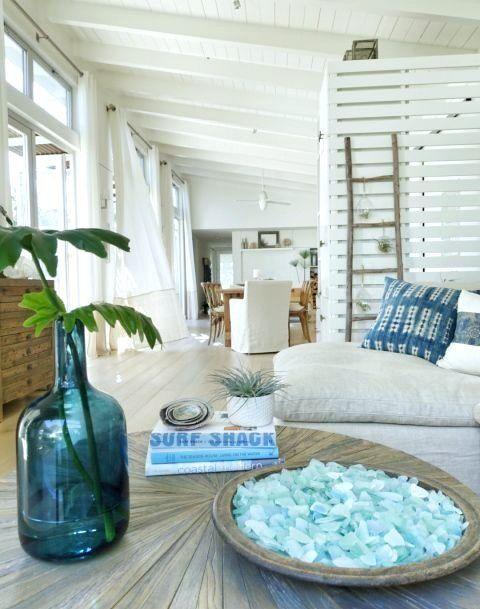 Seaglass Display Decor Ideas Coastal Style Bedroom Coastal