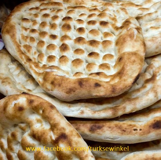 Pide ( Turks Brood )