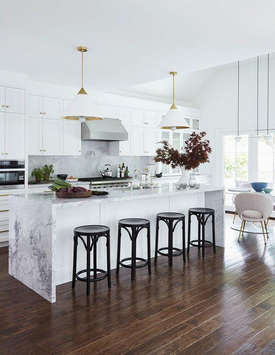 This Coastal Cool White Kitchen Masters The Mix White Kitchen Gold Bathroom Decor Cool Kitchens