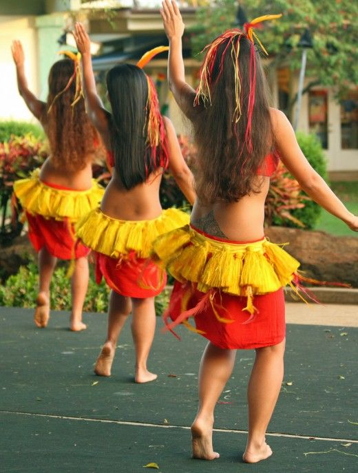 How To Dance Hula Basic Hula Dancing Techniques In 2020 Polynesian Dance Hawaiian Dancers Hula Dancers