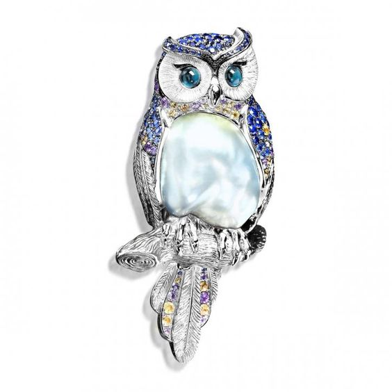 "Brooch ""Owl"", in gold with pearl, sapphire and tourmaline by Mousson Atelier:"