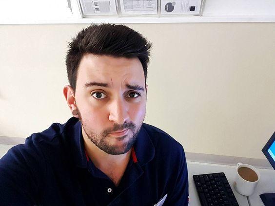 Arrancando el día con un café y cigarrillo. .        #brisbane #australia #winter #selfie #communism #sleep #gaybrisbane #gayaustralia #gayboy #gayusa #scruff #barba #beard #coffee #hairy #vscocam #vsco #gaynyc #nature #gaymexico #gaychile #gayespaña #gaybrasil #gayargentina #gaycolombia #gaylatino #bringtheboystogether
