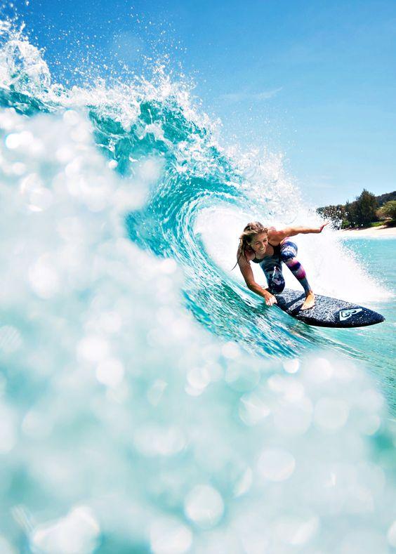 不規則な波でサーフィン