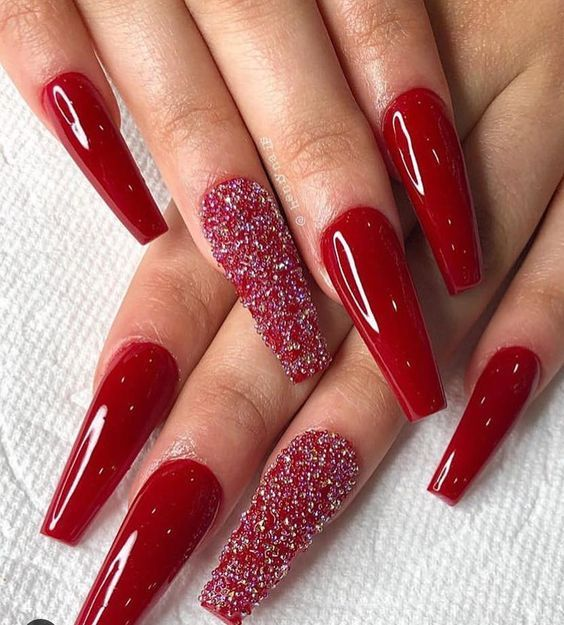 50 Festive Red Coffin Christmas Nails To Inspire You Red Nail Art Designs Red Christmas Nails Red Acrylic Nails
