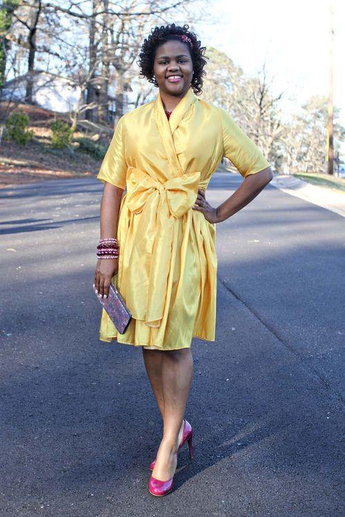 Retro style yellow dress with bow sashs