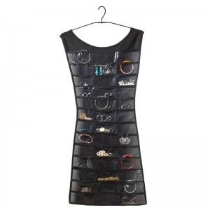 O Porta Bijoux Vestido organiza suas jóias de uma maneira inteligente e criativa. Com design elegante e criativo seus acessórios ficarão sempre organizados e com estilo.