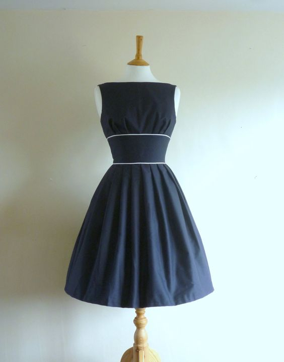 Size UK 10 (US 6-8)- Navy Blue Cotton Tiffany Prom Dress - Made by ...