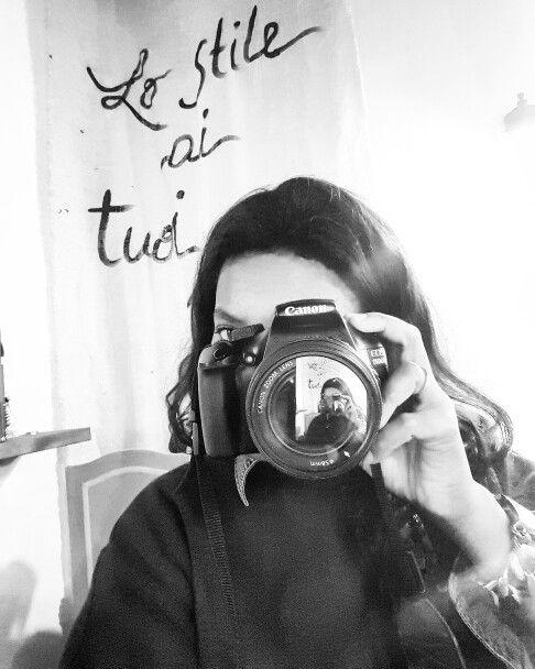Con un dia llenito de empeños, cambios y nuevos proyectos me detengono  un minuto para realizar una foto y tener precente Este momento  Metamorfosi ✔ hoy se habla español #Bodegacostaacosta #Style #fashiondesigner