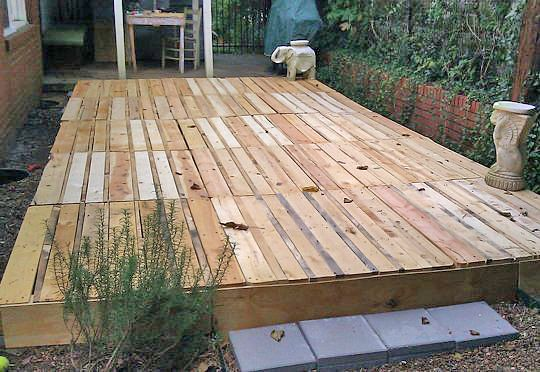 Floating deck decks and how to build on pinterest for Easy diy deck plans