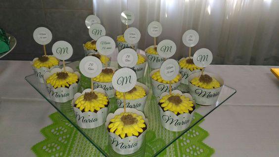 Cup cakes , girassóis