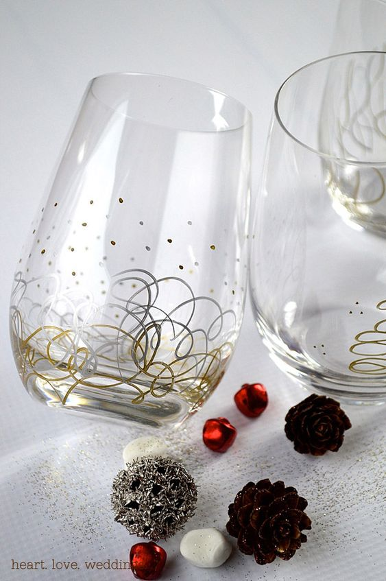 Metallic sharpie paint pens christmas glasses diy for How to decorate wine glasses with sharpies