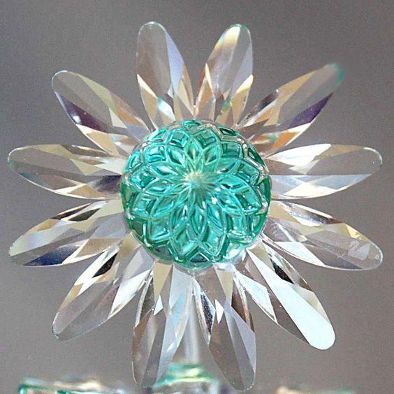 Swarovski Green Marguerite Crystal Daisy Flower Cake Topper #277537 Limited