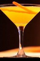 Recette Cocktail Agua de valencia. En 1959, un groupe de Basques avait pour habitude de commander du vin mousseux qu'ils dénommaient Agua de Bilbao au bar Caf
