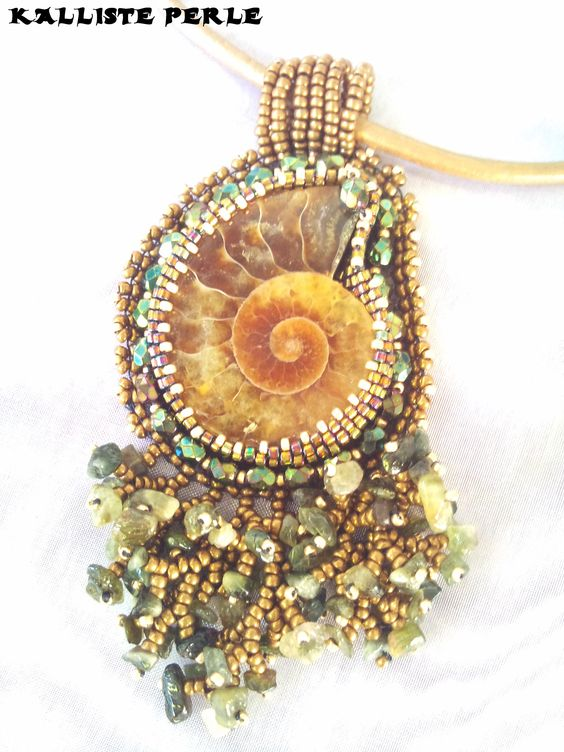 ammonite brodée