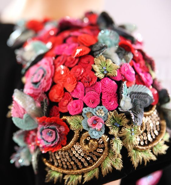 Schiaparelli Couture Fall 2015 sequins embroidery | Details
