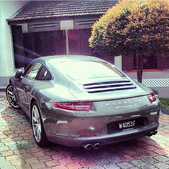Carrera 911 S #porsche #carrera #s #luxurycars #luxurylife #carsighter1 #instagood #cute #photooftheday #follow #picoftheday #like #beautiful #instadaily #followme #tagsforlikes #instamood #bestoftheday #instalike #amazing #carporn #cargramm #supercars #carspotter #spotter#instafamous #supercars #dreamcars #cars #arabcars #follow4follow