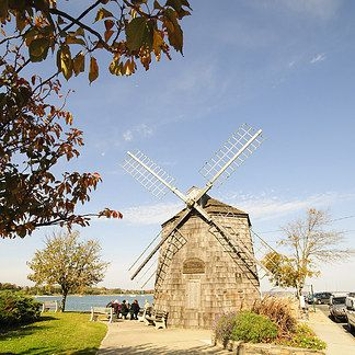 14 Tiny East Coast Towns You Have To Visit Soon:  SAG HARBOR, NY-Long Island During the summer, New York residents flock from the city to places like Fire Island and Montauk. However, there's one little town in the Hamptons that's got everything Montauk has to offer with half the crowd. In Sag Harbor you'll be able to experience plenty of art galleries, restaurants, shops, and serene beaches — and hopefully some piece of mind too.