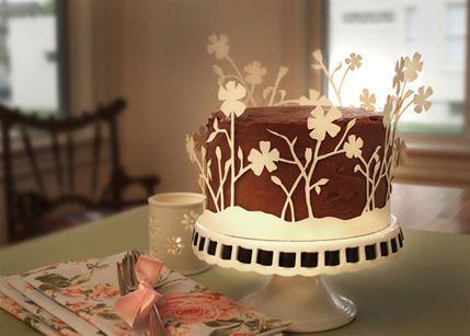 Such a pretty idea for cake decorating!