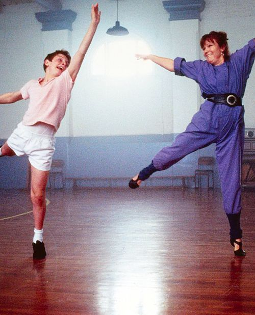 Billy Elliot: Jamie Bell and Julie Waters dance to Marc Bolan
