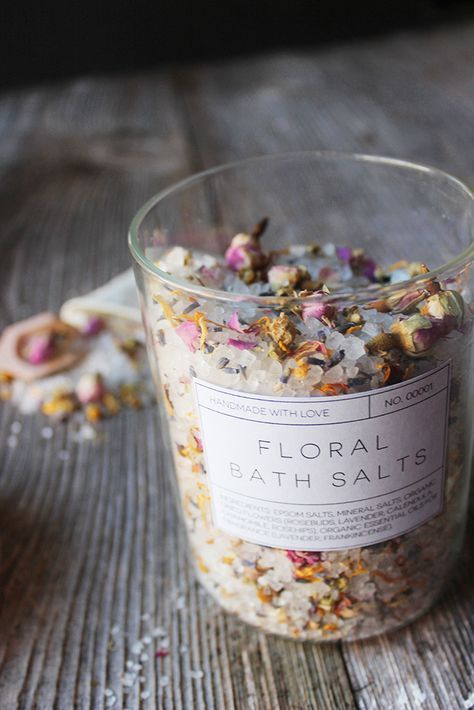 DIY Floral Bath Salts + Free Printable Labels // Married to the Earth // Handmade Gifts