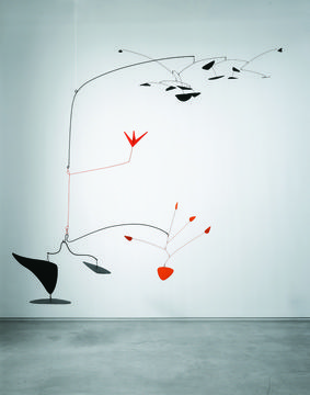 kinetische kunst alles is continue in beweging alexander calder scarlet digitals 1945. Black Bedroom Furniture Sets. Home Design Ideas