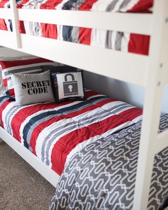 If you have bunkbeds you're gonna want our ZIPPER bedding.  Fashion meets function. http://ss1.us/a/GvM5m8d4