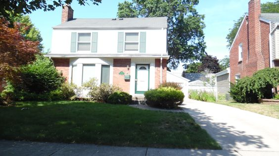 Just Listed, Charming Dearborn Hills Colonial!!  $259,000 #gometrohomes #dearborn #newlisting http://www.gometrohomes.com/listing/149877527-150350916/244-s-denwood-st-dearborn-mi-48124/
