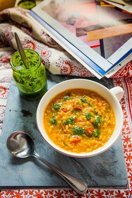 Hemsley & Hemsley: Quick Red Soup - Paprika, Lentil, Tomato (Vogue.com UK). Omit oil and use veggie broth.