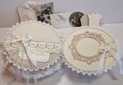 annes papercreations: Pion Design Shabby Chic Round Mini Album in a stand: