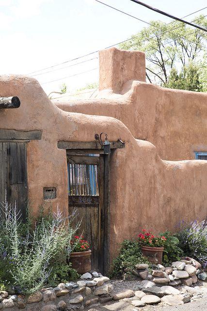 New mexico house s h e d r e a m s o f s a n t a for Modern adobe homes