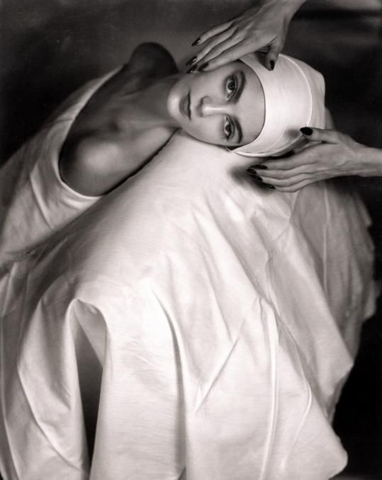 Carmen Face Massage, 1946 HORST P. HORST