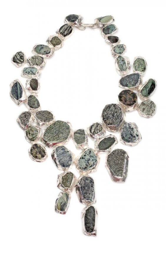 Necklace | Susanna Loew - Steinreich, 2009.  Silver 999 and 935, steel wire, marble