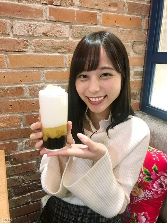 アップで嬉しそうな山本萩子アナ