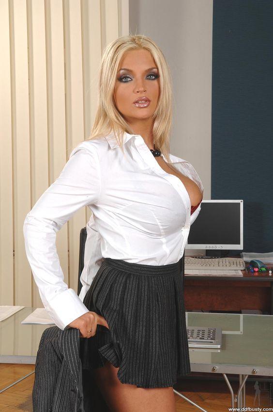 Busty Blonde Ines Cudna 22