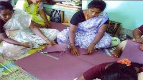 Allowing women to do more aid work may boost India's GDP - 24 India News 24indianews.com