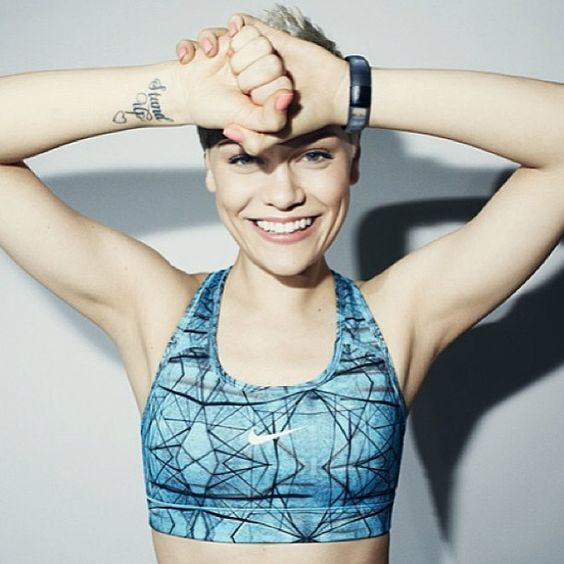 Jessie J. In a Nike Sports Bra. This picture could not be any more perfect. #brandlove