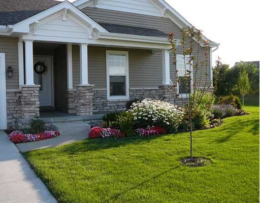5845 Cottage Circle Granger In 46530 178 500 Exterior Colors Faux Stone And Columns